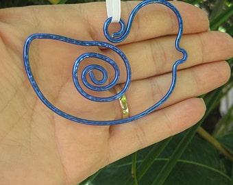 Blue bird ornament, suncatcher, wire bird, summer decorations, wire ornament, holiday decorating, hammered metal ornament