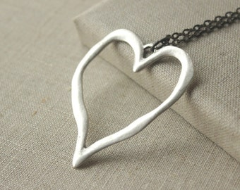 Large silver Heart Necklace Statement necklace Jewelry Large Heart pendant collier a chaine, long chain necklace Bohemian Boho Romantic N211