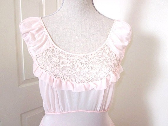 Vintage Nightgown 1960s Soft Pink and Lace