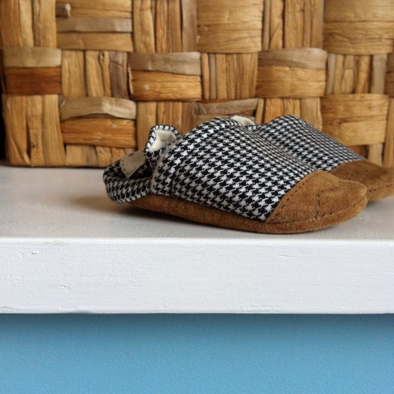 Soft Soled Baby Shoes, Baby Booties - Tiny Houndstooth