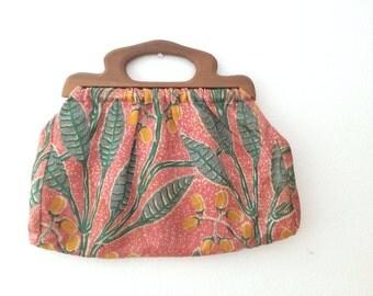 vintage bark cloth bag / vintage sewing bag / Wooden Handle Honeycot bag