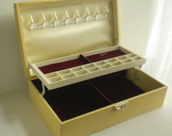 Large Farrington Jewelry Box with Key - Ivory Leatherette with Duo Tone Fabric Covered Lid and Crimson Velvet Liner