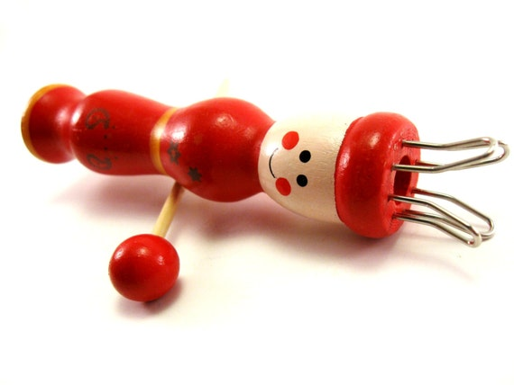 French Knitter Red Tricotin Wood Knitting Dolly with needle