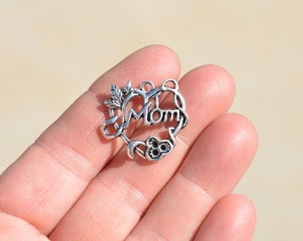 BULK 20 Silver Mom Heart Charm - Pendant SC1136