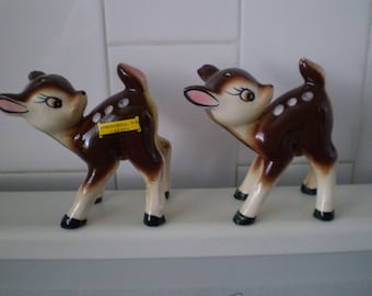 Adorable Vintage Deer Salt and pepper shakers Souvenir