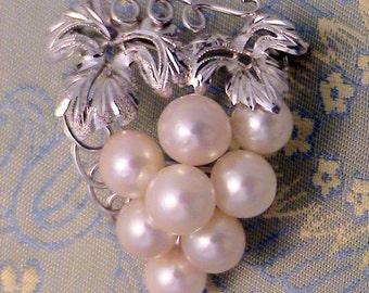 Vintage Japan Real Pearl Silver Brooch