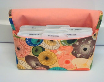 Coupon Organizer /Budget Organizer Holder   Attaches to your shopping Cart  Umbrellas  Peach Lining