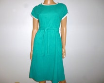 Vintage 70's -  Kelly Green - White Piping Trim - Terrycloth - Boho - Beach - Summer - Cinched - Dress  bust: 40""