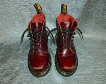 Vintage - Chuncky Heel - Dr Martens - Eyelet Lace Up - High Polished Finish Leather - Childern's - Boots - Shoes - Made in England