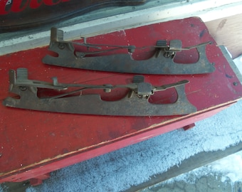 SALE - Primitive Antique Clamp On Iron Ice Skates from Rustysecrets