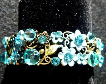 Turquoise Color Jeweled Stretch Bracelet