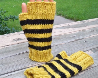 Fingerless Mittens in Hufflepuff Colors