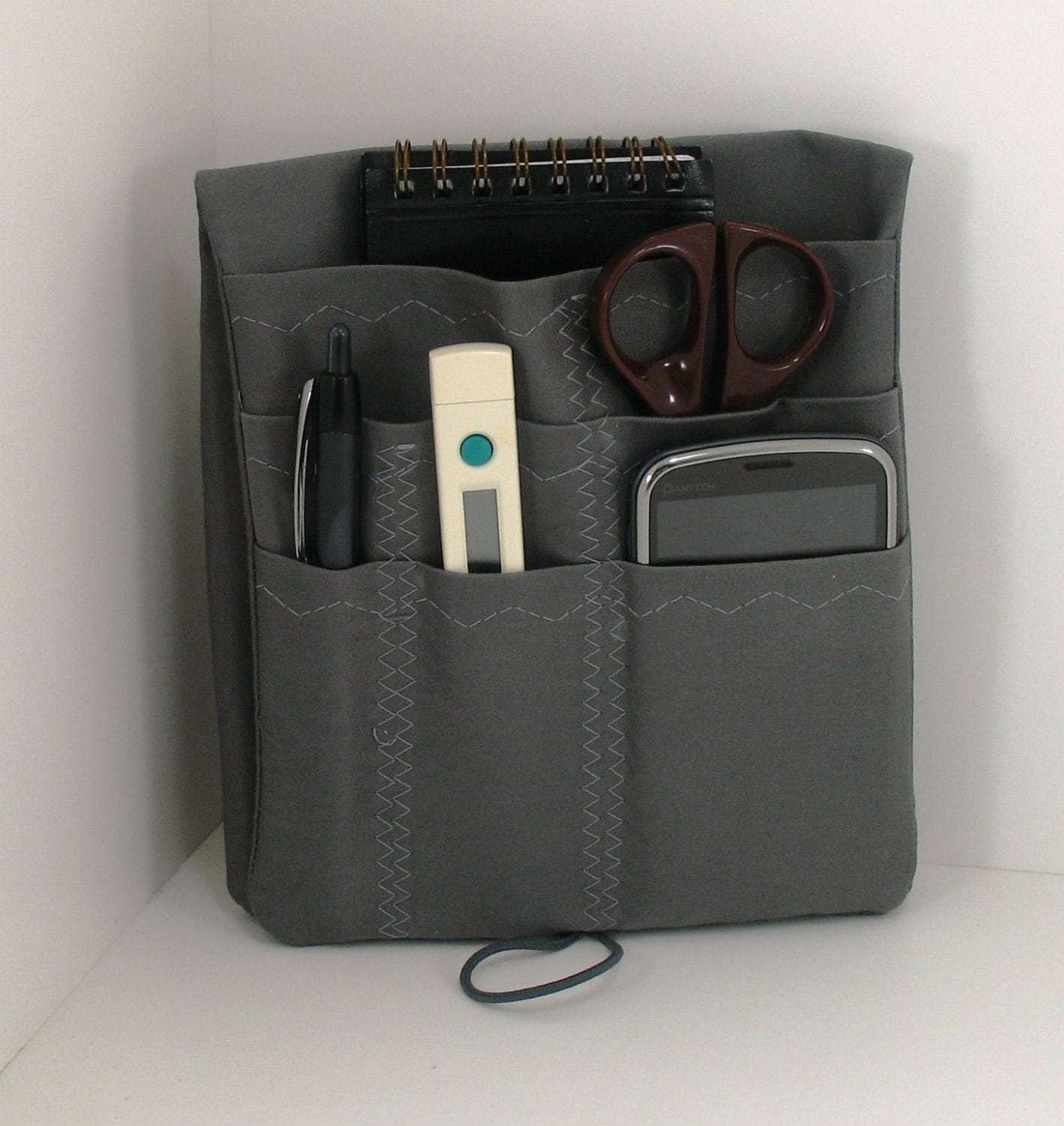 how to wear nurse pocket organizer