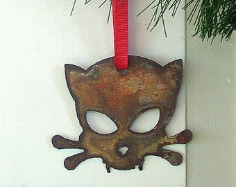 Outlaw Kitty Ornament by WATTO Distinctive Metal Wear/ Cat Ornament/ Christmas Ornament/ Cats/ Rustic/ Rusty/ Gift for Cat Lover/ Cat Lady