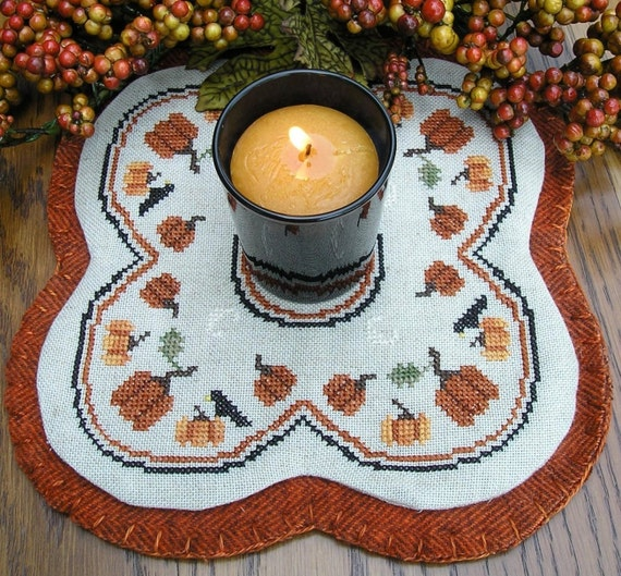 Finished Little Candle Mat Pumpkins and Crows for use with a Votive Cup