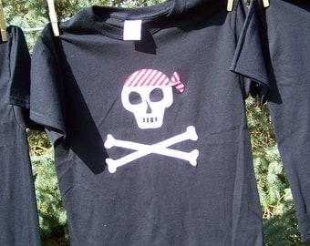 Jolly Roger Pirate Skull and Crossbones Fabric Applique Tshirt Youth Child Kids Size XS 4 5 , Sm 6 7, Medium 8 10, Large 12 14