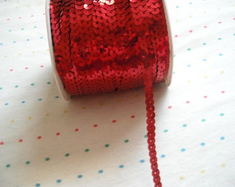 Red Sequin Trim, 6 mm - 5 Yards