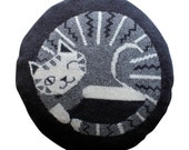 40cm Round Knitted Lambswool Cat Cushion