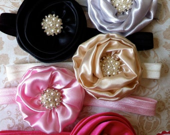 ONE satin elastic headband with satin rosette with pearl cluster