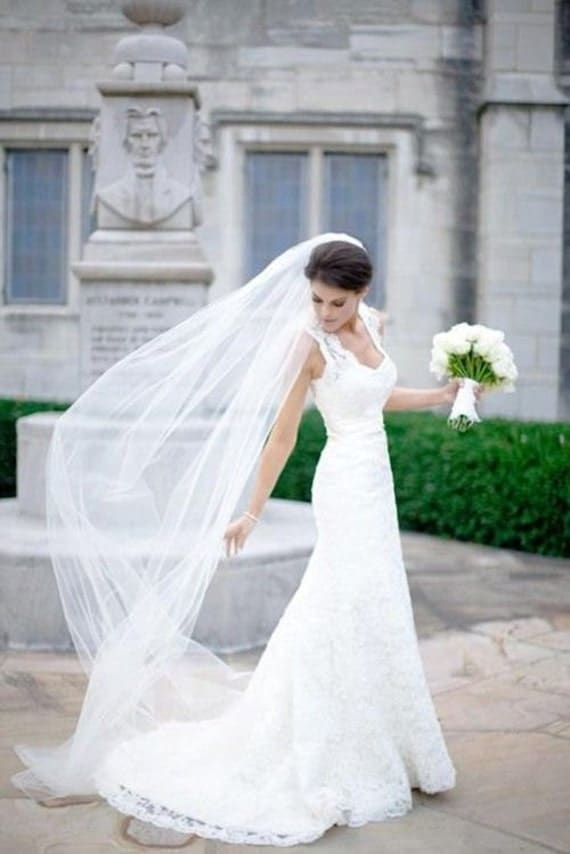 Lace Wedding Dress And Veil : Plain tier chapel length tulle veil with raw edge