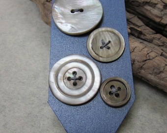 4 Vintage Dark Grey Shell Buttons