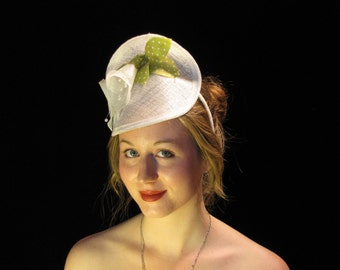 White Sinamay Lillies| Sinamay billed hat| whie hairpiece| white headband| handmade fascinator, Sinamay hat| Wedding fascinator| custon hat