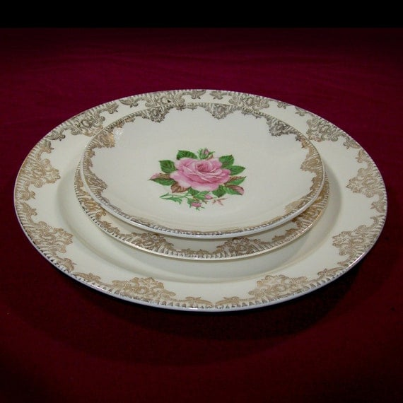 1950s Dishes: Paden City Pottery American Rose Dishes / 1950s Pink Roses