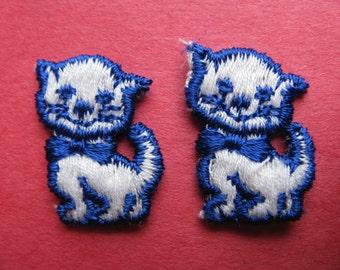 blue kitty patches. 1970's embroidered cat / kitten appliqué patch pair. new old stock.