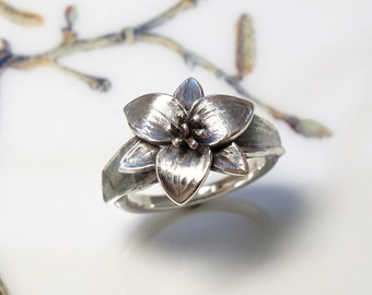 Trillium Wildflower Botanical Ring Sterling Silver