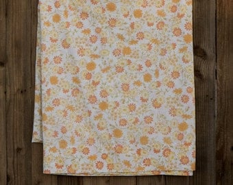 Vintage Flat Sheet - 1970s - Very good condition - Yellow Flowers