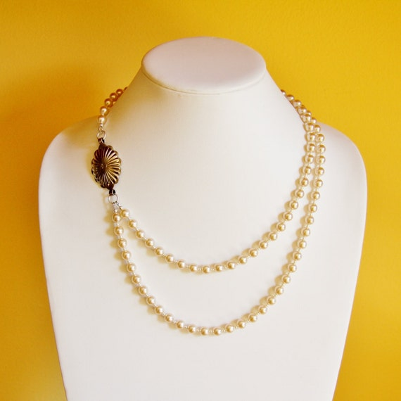 Reclaimed vintage pearl necklace, vintage necklace, bridal necklace, recycled jewelry, upcycled jewelry, repurposed jewelry,classy necklace