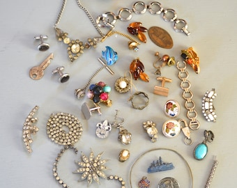 37 ANTIQUE & Vintage Jewelry and Trinkets lot Reuse
