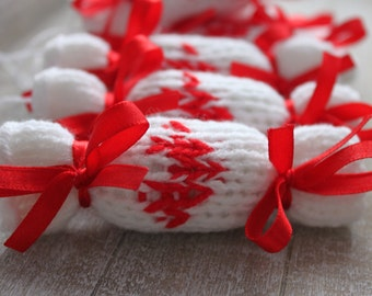 Party decoration, 6 knitted candy, tree decorations in white and red, set of 6 tree ornaments ready to ship