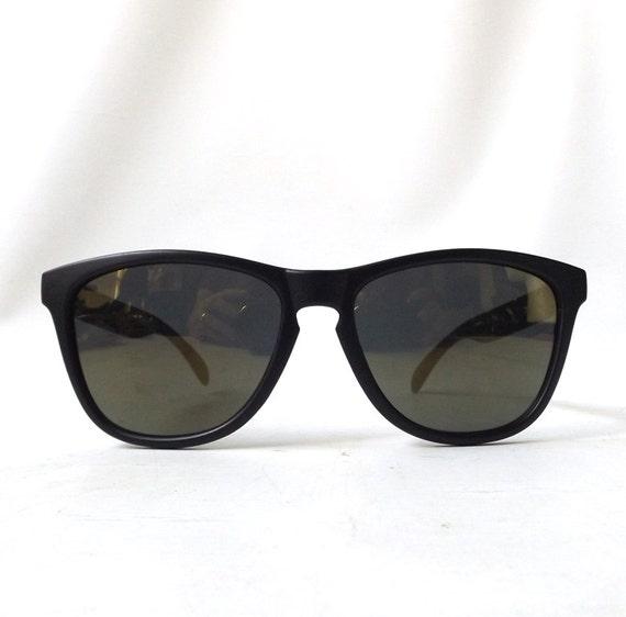 vintage 1980's wayfarer sunglasses black by RecycleBuyVintage
