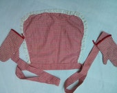 VINTAGE Classic  Red and White Check  APRON and MITTS