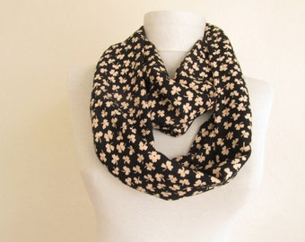 Fashion Scarf, Women Circle Scarf, Infinity Loop Circle Scarf,  Trendy Scarf, Gift Ideas for Her