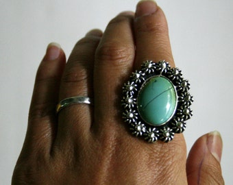 VINTAGE// Oval Green Turquoise Mexican Sterling Silver 925 Cocktail Ring - Signed MEXICO CII - Size 7