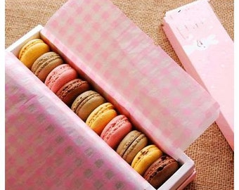 Pink or Light Blue Greaseproof paper for all your baking goods – set of 10 large sheets