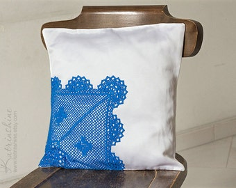 White and Blue Pillow Cover With Crocheted Doily Applique OOAK decorative accent pillow