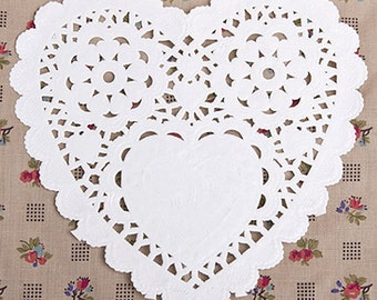 50 Romantic Heart Paper Doilies - M (5.5 x 5.5in)