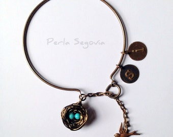Robin Nest Bracelet - Bird Charm Included - Add extra charms to personalize it!