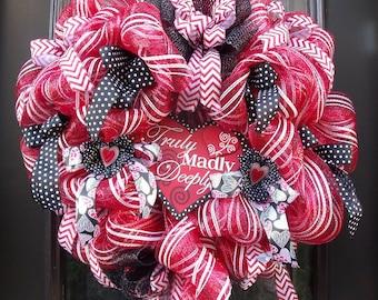Valentine Heart Wreath, Valentines Day Wreath, Door Decor, Big Valentine Wreath, Valentines Decor, Deco Mesh Heart Wreath