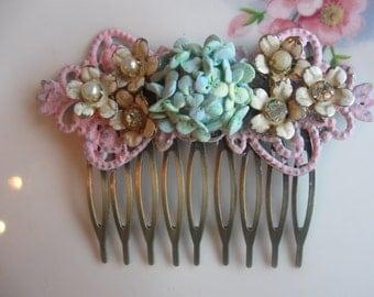 Just Shabby Chic...vintage glass rhinestone bridal shabby chic french hair comb