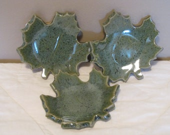 Leaf shaped soap dish or tray