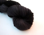 MIDNIGHT Superwash Merino Fingering weight yarn 400 yards/100g