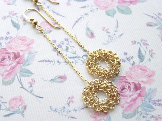 Crochet Knitting Small Goldfilled Circle on Chain Earring