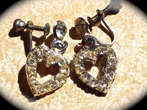 Vintage Earrings-Heart shaped- Rhinestone screw back earrings - Wedding Dangle Earrings- Vintage Rhinestone Earrings- JNP Vintage Jewelry