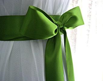 Leaf green / iridescent green / apple green wedding sash, bridal sash, bridesmaid sash, 2.25 inch satin