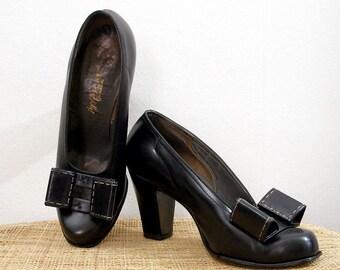 Vintage 1940s High Heels Black Palter DeLiso High Heel Pumps / U. S. Size 6