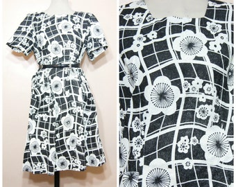 Vintage 60s Mod Dress Black and White Floral Print Sparkly Large XL Party Dress Retro